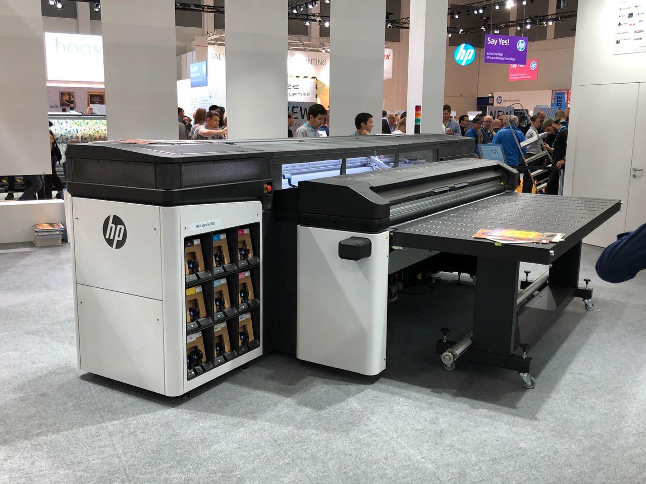 plotter HP com tecnologia Latex para impressões em mídias planas e rígidas lançado na Feira Fespa