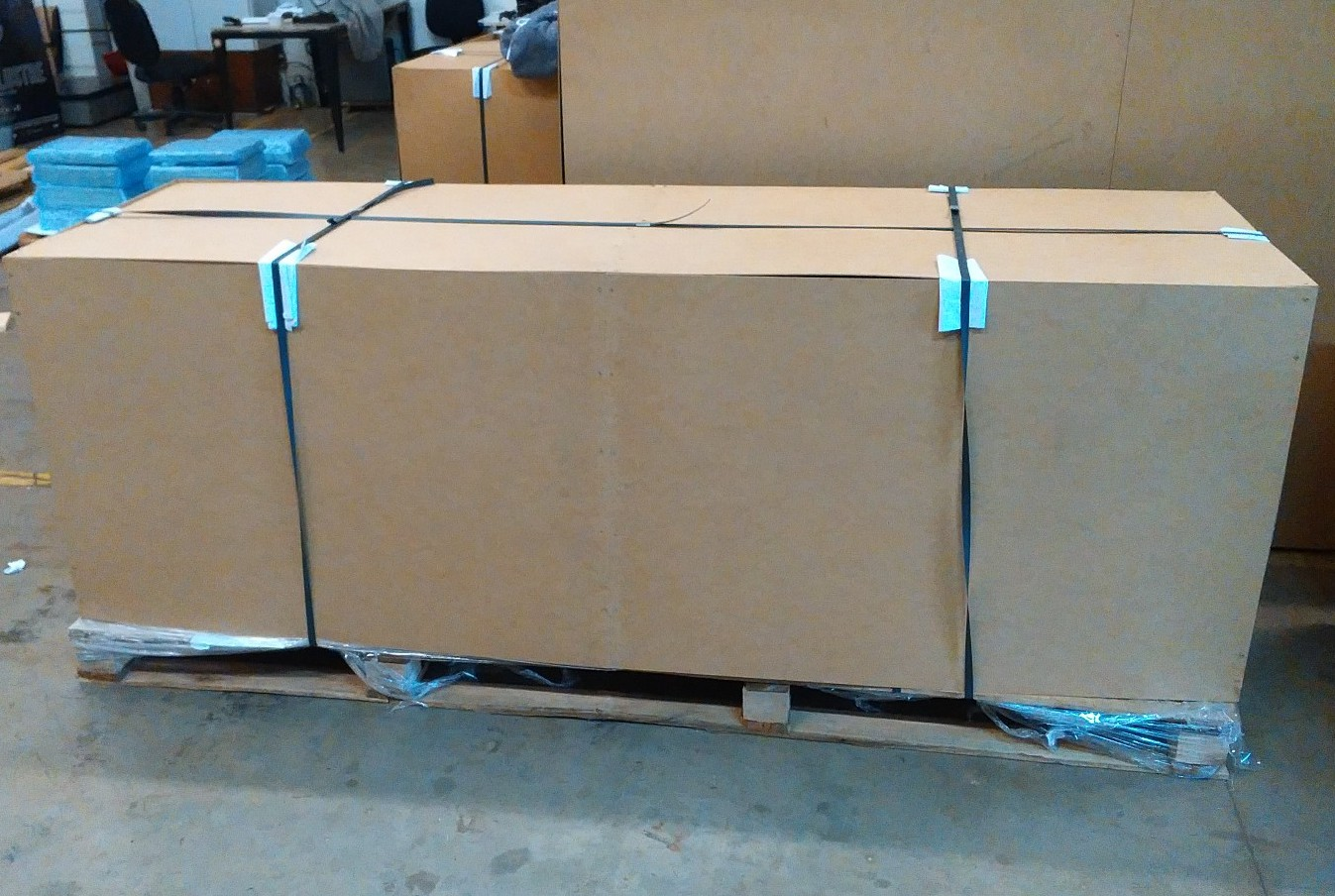 Impressora de grande formato HP Designjet 4500 pronta para transportadora