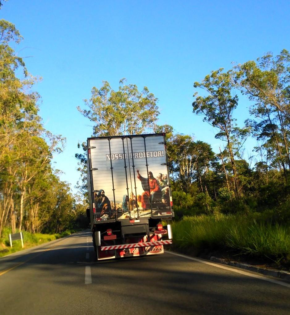 Resultado da utilização de Plotter de Vinil para Envelopamento de baús de caminhão