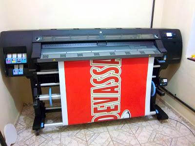10.330 metros quadrados impressos Plotter HP Látex 260. Impressora de Comunicação Visual e Impressão Digital imprime até largura de 155cm